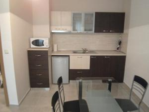 Nicol Apartment in Hermes Complex, Apartments  Sunny Beach - big - 12