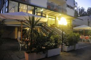 Hotel Lux, Hotely  Cesenatico - big - 58