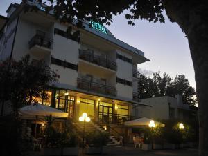 Hotel Lux, Hotely  Cesenatico - big - 47