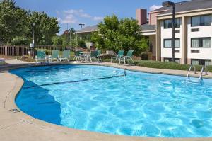 Ramada by Wyndham Asheville Southeast, Hotels  Asheville - big - 19