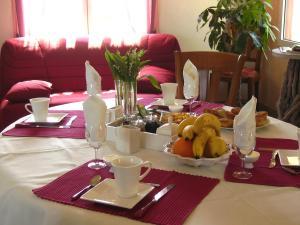 L'Aumônerie, Bed & Breakfasts  La Chaize-le-Vicomte - big - 28