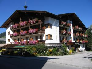 Hotel Simmerlwirt, Szállodák  Niederau - big - 49