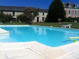 Villa avec piscine, Villen  Curçay - big - 6