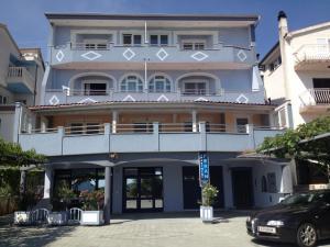 Apartments Peran