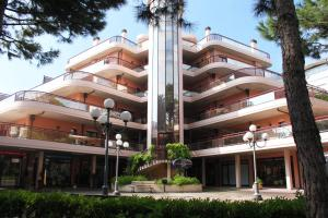 Residence Crystal Palace - AbcAlberghi.com