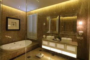 Luxury Villas at Ombak Villa Langkawi, Villas  Kampung Padang Masirat - big - 5