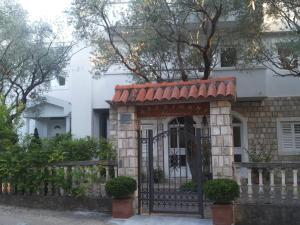 Apartments Marović, Apartmány  Luštica - big - 31
