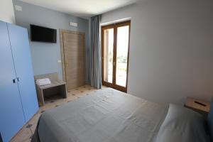 La Suite del Faro, Bed and breakfasts  Scalea - big - 13