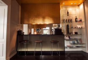 Villa Mughetto, Apartmanhotelek  Gardone Riviera - big - 15