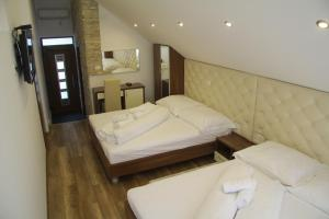 Golden Lakes Rooms, Pensionen  Jezerce - big - 24