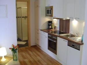 Haus Hannah, Apartmanok  Ladis - big - 11