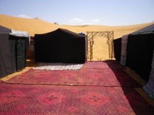 Marhaba Camp, Camel & Sandboarding, Luxury tents  Merzouga - big - 22