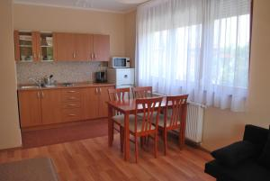 Sekli Premium, Appartamenti  Balatonlelle - big - 18