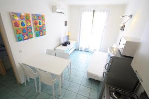 Villa Albaluisa, Apartmány  Bibione - big - 10
