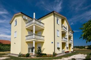 Apartments Baresic
