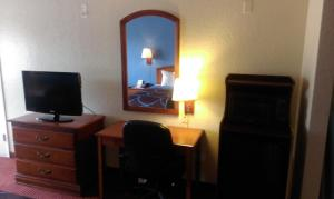Super 8 by Wyndham San Antonio at I-10, Motels  San Antonio - big - 10