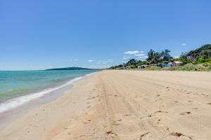 Barefoot Beach Holiday House