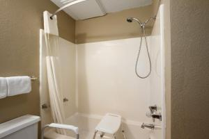 Habitación adaptada para personas de movilidad reducida con cama grande - No fumadores