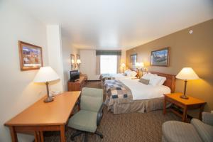 Queen Room with Two Queen Beds - Disability Access/Non-Smoking - Pet Friendly