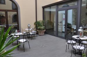 Hotel Urbano V, Отели  Монтефьясконе - big - 37