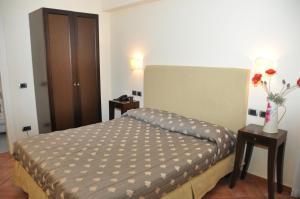 Hotel Urbano V, Отели  Монтефьясконе - big - 16