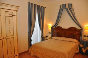 Hotel Urbano V, Отели  Монтефьясконе - big - 14