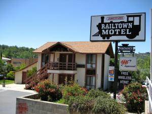 Jamestown Railtown Motel