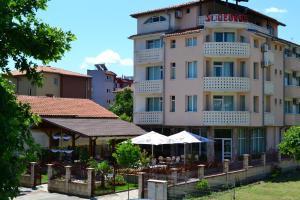 Saint George Family Hotel
