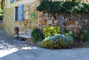 Gîte l'Ecluse au Soleil, Holiday homes  Sougraigne - big - 10