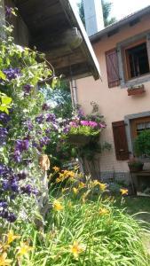 Gites Les Mérilles, Prázdninové domy  Le Ménil - big - 10