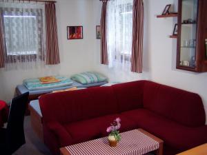 Penzion Pod Vápenkami, Guest houses  Strážnice - big - 5