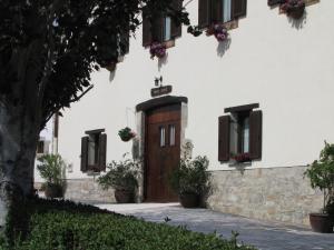 Hostal Rural Huartearena