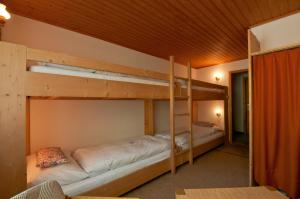 Hotel Rothorn, Hotely  Schwanden - big - 31