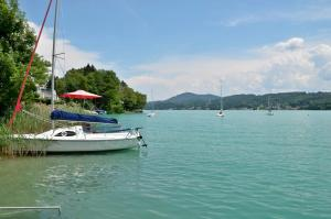 Seehotel Paulitsch, Hotely  Velden am Wörthersee - big - 29