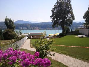 Seehotel Paulitsch, Hotely  Velden am Wörthersee - big - 49