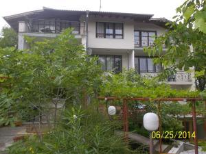 Guest House Mano, Affittacamere  Kranevo - big - 1