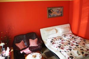 Villa Anastazis - Penzion Eden, Guest houses  Karlovy Vary - big - 41