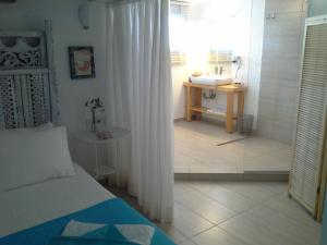 Aspasia House, Bed & Breakfasts  Bozcaada - big - 17