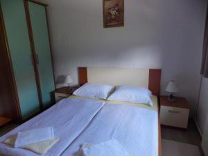 Apartments Smirnov, Appartamenti  Drežnik Grad - big - 4