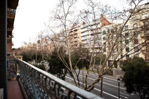 Two Bedroom Family Apartment with balcony - Avenida Diagonal, 347
