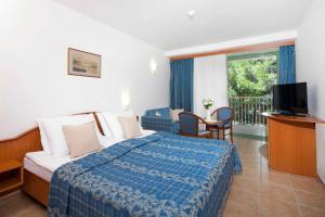 Bluesun Hotel Marina, Hotely  Brela - big - 11