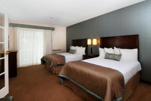 One-Bedroom Queen Suite with Two Queen Beds - Non smoking