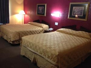 Americas Best Value Inn and Suites Denton, Motels  Denton - big - 12