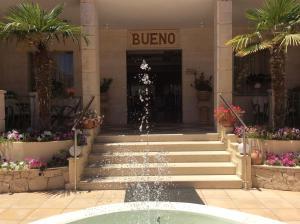 Bueno Hotel, Residence  Platanes - big - 57