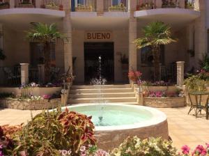 Bueno Hotel, Residence  Platanes - big - 56