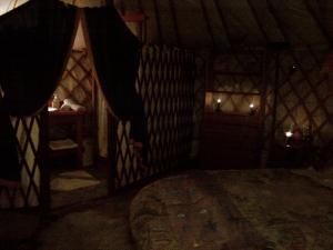 Almond Grove Yurt Hotel, Zelt-Lodges  Ábrahámhegy - big - 36