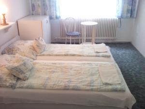 Napfény Apartment, Guest houses  Keszthely - big - 4