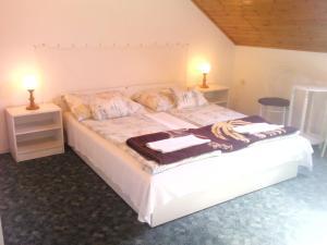 Napfény Apartment, Guest houses  Keszthely - big - 5