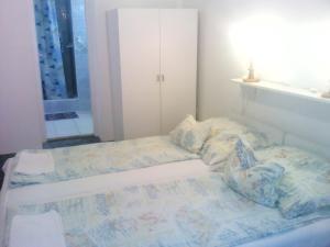 Napfény Apartment, Guest houses  Keszthely - big - 15