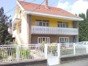 Napfény Apartment, Guest houses  Keszthely - big - 1